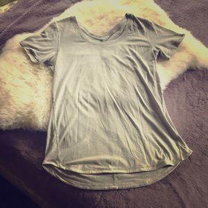 Lululemon grey t shirt